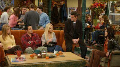 Friends : quel personnage a bu le plus de café au Central Perk ?