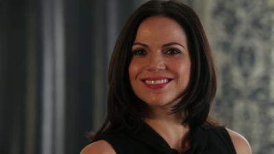 Once Upon a Time : On verra (beaucoup) moins Regina dans la saison 7