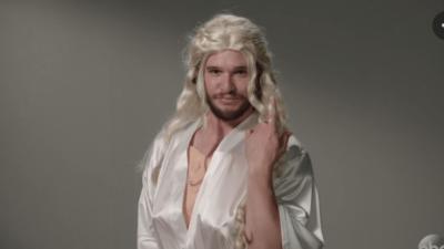 Vidéo LOL du jour : Kit Harington auditionne pour jouer Daenerys et Ygritte