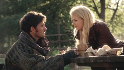 Once Upon a Time : Killian va t-il retrouver l'amour ? Les showrunners répondent