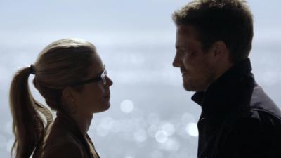 Arrow saison 6 : de l'espoir pour le couple Olicity ?