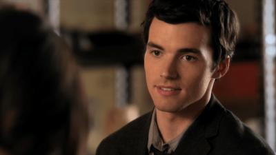 Pretty Little Liars : Ian Harding (Ezra) veut un retour très dark de la série