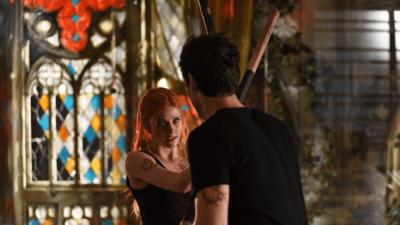 Shadowhunters : quel conflit opposera Clary et Alec dans la saison 3 ?