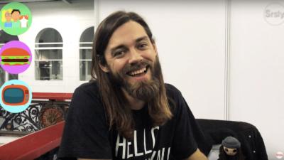 Tom Payne aka Jesus de The Walking Dead nous parle de sa journée idéale de binge-watching