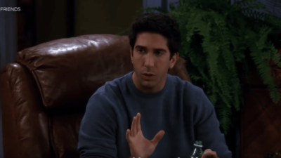 Comment Ross Geller (Friends) a prédit l'épisode San Junipero de Black Mirror