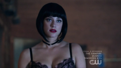 Riverdale : un fan prouve que le tueur à la cagoule est Dark Betty et…