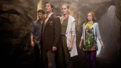 The Librarians : Noah Wyle & Rebecca Romijn en disent plus sur la saison 4 (interview)