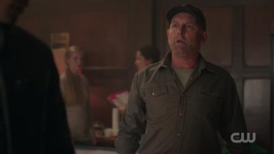 Un fan a résolu le mystère de Mr. Svenson dans Riverdale