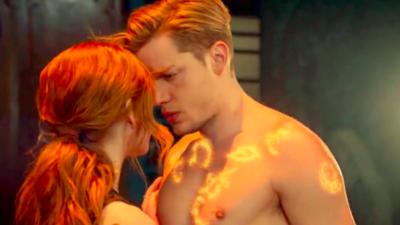 Shadowhunters : de beaux moments pour Jace et Clary dans la saison 3 ?