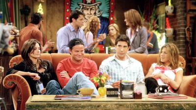 Friends : Courteney Cox balance une photo du casting avant d'être célèbre