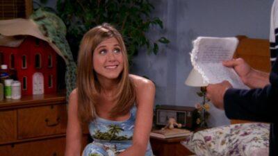 Friends : avez-vous remarqué que ce ne sont pas Rachel et Monica dans ces scènes ?
