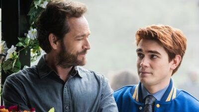 Riverdale : KJ Apa (Archie Andrews) rend hommage à Luke Perry