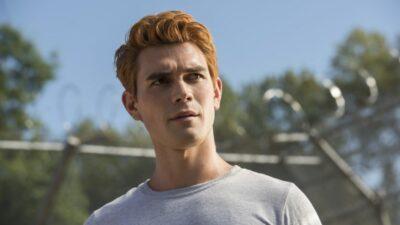 Riverdale : la première photo de la saison 4 est là ! Et oui, Archie est ENCORE torse nu