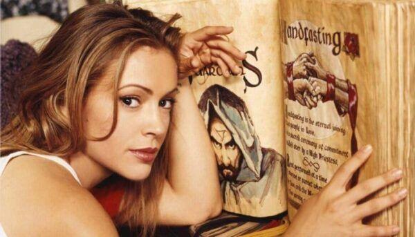 charmed Phoebe livre des ombres