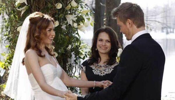 Les Frères Scott mariage Lucas et Peyton