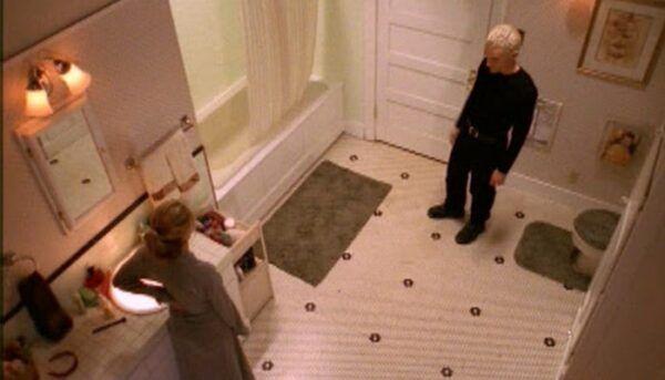 Spike Buffy agression