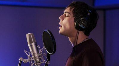 Pourquoi je vis : Mickaël Lumière (Grégory Lemarchal) chante-t-il vraiment ?