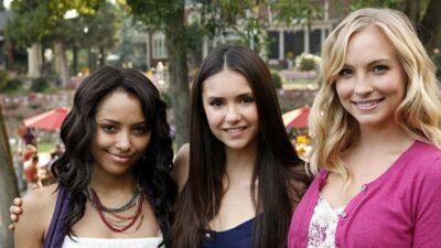 The Vampire Diaries : des actrices arrêtées au moment du tournage pour avoir montré leurs seins sur un pont
