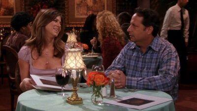 Friends : seul quelqu'un qui a vu 5 fois l'épisode des rencards foireux de Ross et Rachel aura tout bon à ce quiz