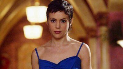 Charmed : Alyssa Milano tacle un internaute qui la traite d' «actrice finie»