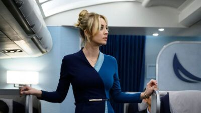 The Flight Attendant : on connaît la date de diffusion de la nouvelle série de Kaley Cuoco sur Warner TV