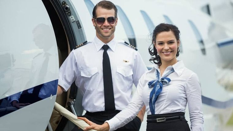 Hôtesse de l'air / Steward