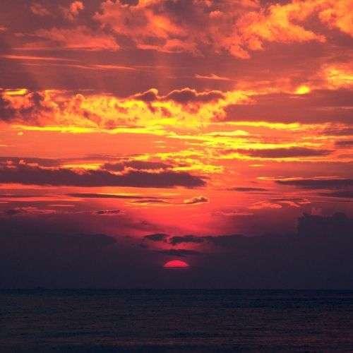Rouler au soleil couchant