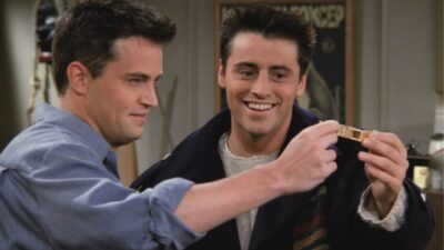 Friends : aviez-vous remarqué que cet acteur jouait 2 persos différents dans la série ?