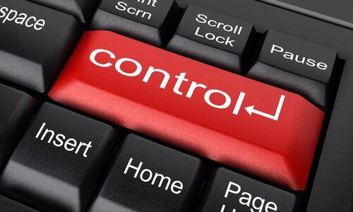 Le fait que tu veuilles tout contrôler