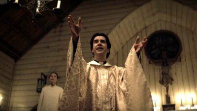 Midnight Mass : un nouveau trailer sous tension pour la série du créateur de The Haunting of Hill House