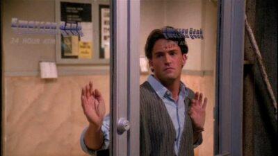 Quiz : seul un vrai fan de Friends saura compléter ces répliques de Chandler Bing